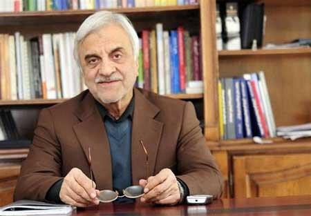 احمدینژاد منابع مملکت را هدر داد