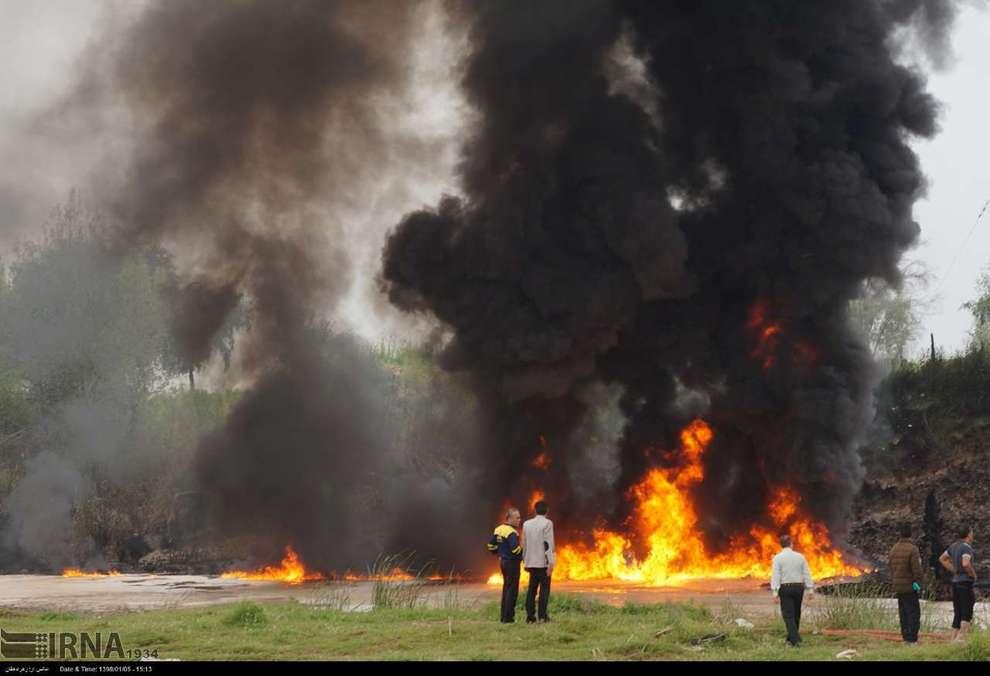 آتش سوزی در خط لوله انتقال بنزین