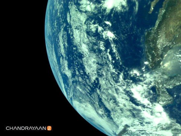 ماهنورد هندی از زمین عکس گرفت