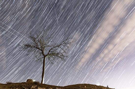 آسمان ایران دوشنبه شهاب باران میشود