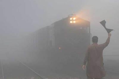 مه شدید و آلودگی هوا در شهرهای پاکستان