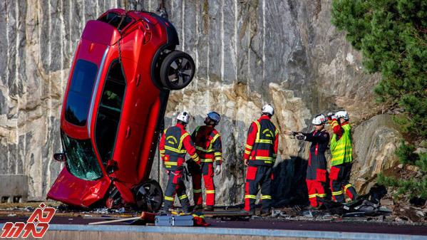 135396 166 آزمایش سقوط ولوو برای امنیت خودروهایش