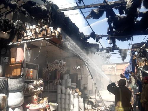 آتشسوزی در ۲۰ غرفه بازار گل محلاتی